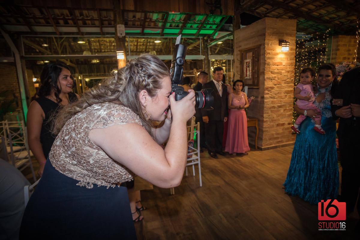 Imagem capa - Por que fotografar o casamento dos amigos é incrivel?  por Studio16 Fotografia