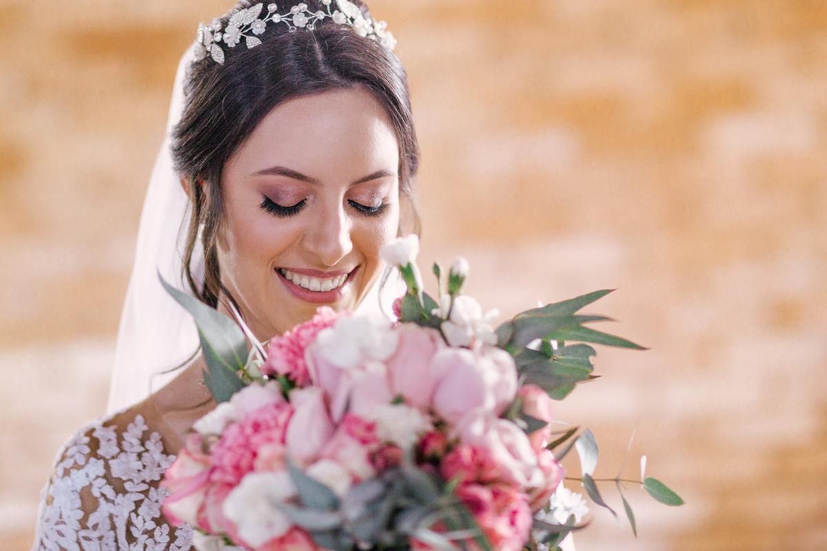 casamento campo itatiba valinhos noiva no making of com buque em mãos