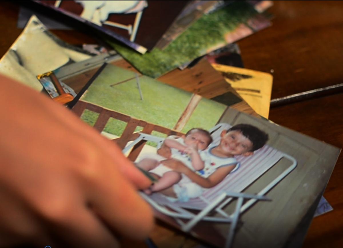 Imagem capa - Um Presente Que Sua Mãe Não Vai Esquecer! É a História da Vida de Vocês. por Cristian Perroni