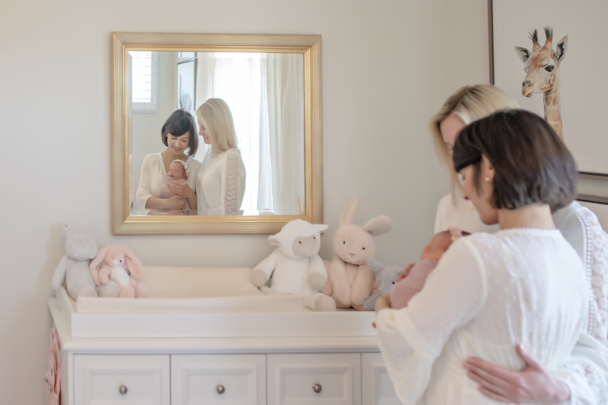 Imagem capa - Tips for New Moms: Surviving the First Weeks por Ana Ramalho Photography, LLC