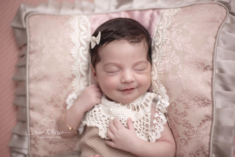 Contate Fotografa Newborn em Fortaleza - Riso Hilário