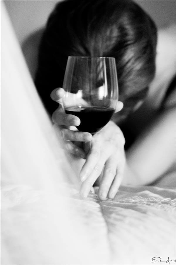 A taça de vinho ajuda a