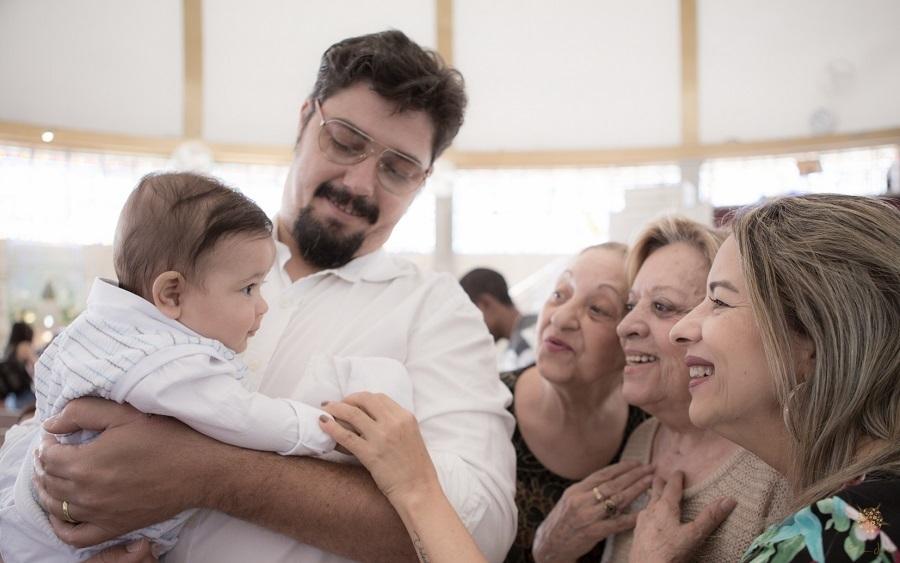 Família durante Batismo no Santuário São Judas Tadeu em BH.