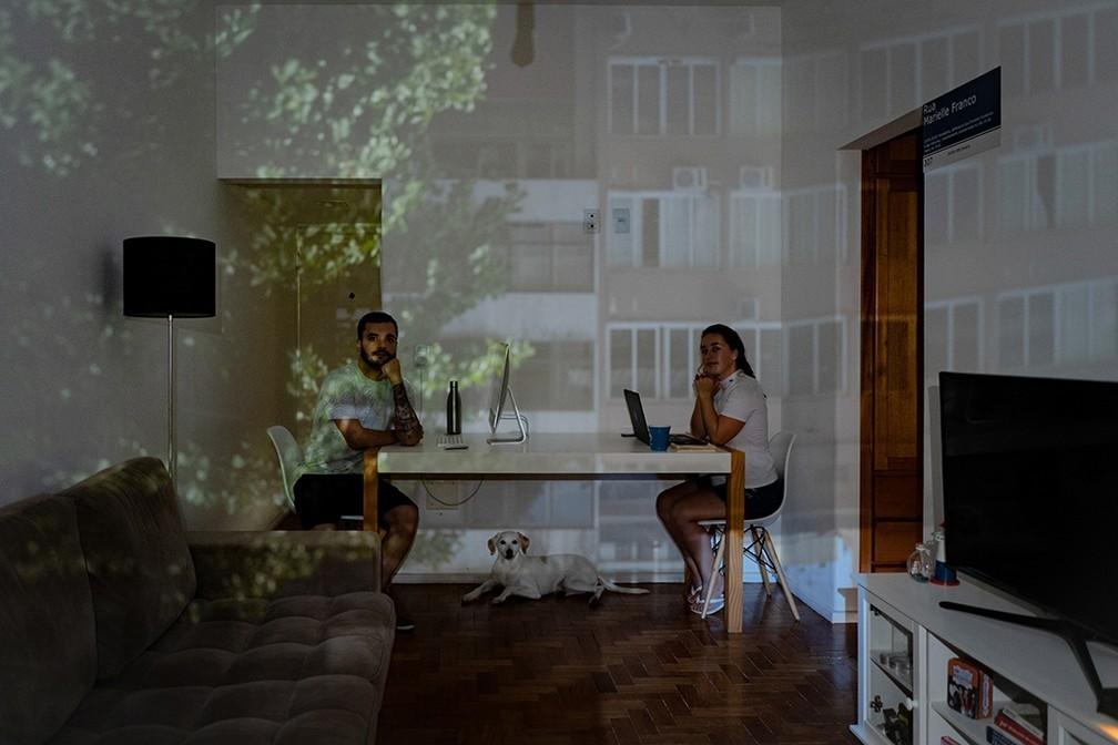 Imagem capa - Fotógrafo Bruno Alencastro idealiza projeto 'obs-cu-ra' por Brownie41