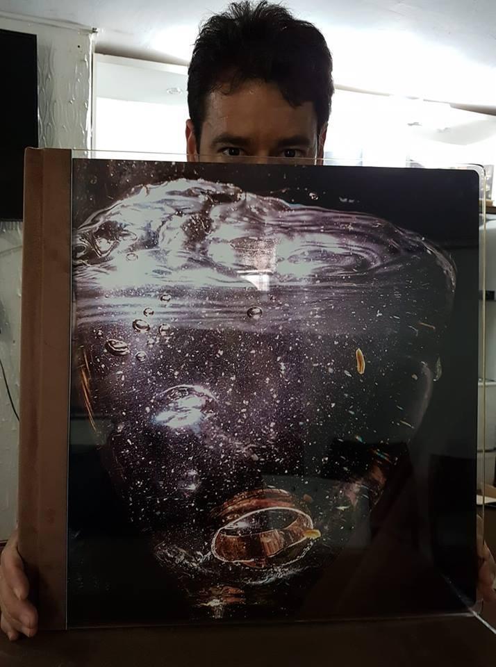 Imagem capa - Entregando o àlbum por Renato Ferraz