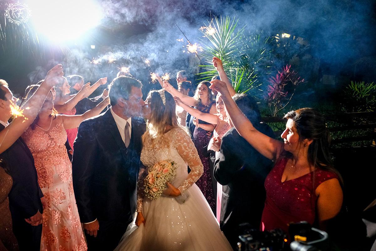 Imagem capa - Profissionais e fornecedores no casamento de Paola e Reginaldo por Renato Ferraz