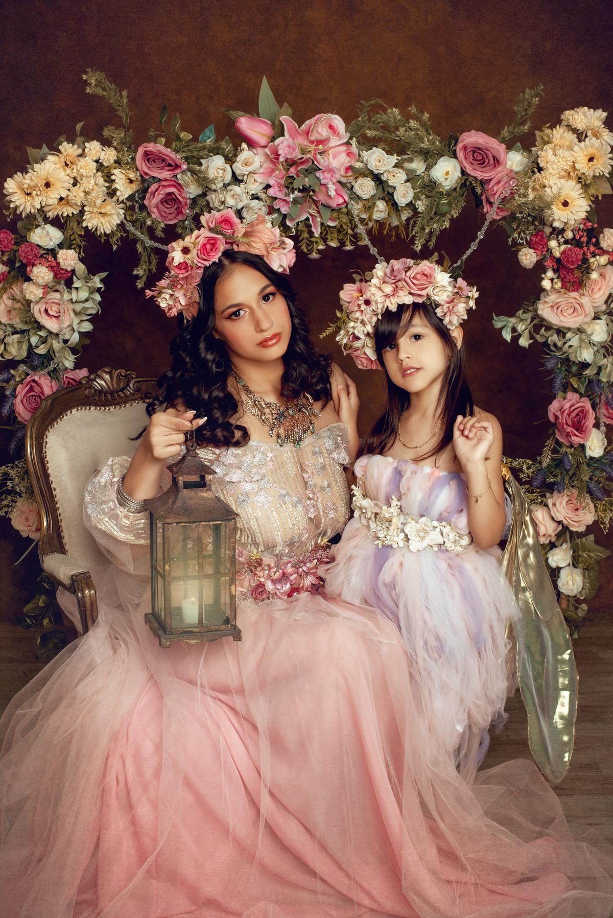 Imagem capa - Ensaio fotográfico artístico mãe e filha - Mel e Pri por Roberta Guido