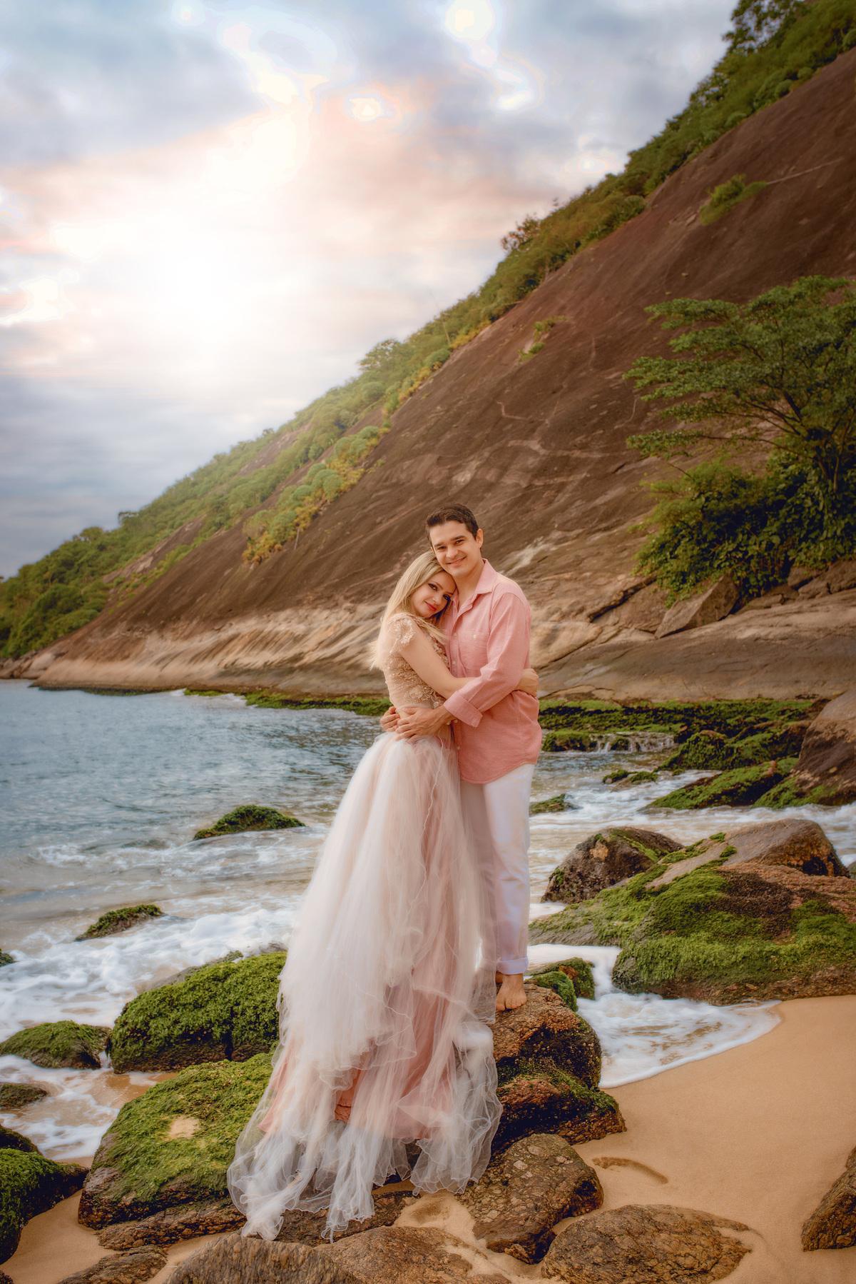 Imagem capa - Ensaio casal Fine Art na Praia da Urca - RJ por Roberta Guido