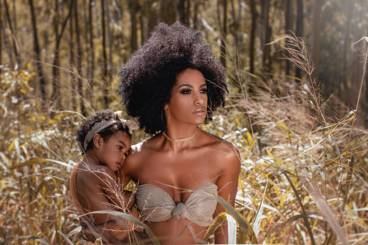 Imagem capa - Ensaio floresta em família com Ivi Pizzott e Luis Navarro por Roberta Guido
