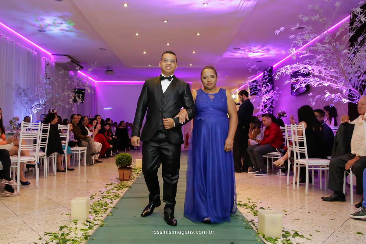entrada no noivo com a mãe