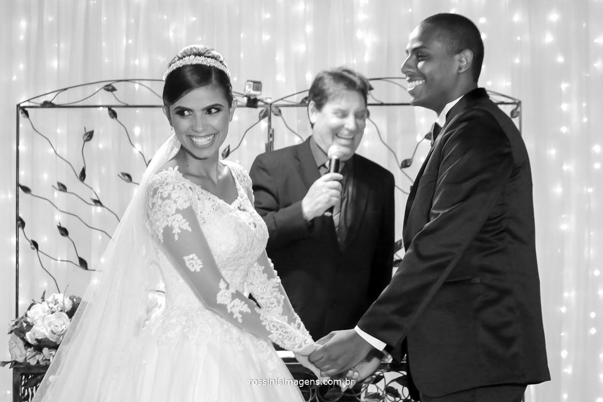 casamento-suzano-elaine-e-andre-chacara-encanto-das-aguas-suzano-sp-fotografo-de-casamento-rossinis-imagens-fotografia-e-video,  celebrante davi roberto,