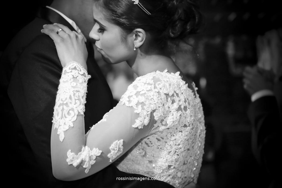 casamento-suzano-elaine-e-andre-chacara-encanto-das-aguas-suzano-sp-fotografo-de-casamento-rossinis-imagens-fotografia-e-video, dança dos noivos