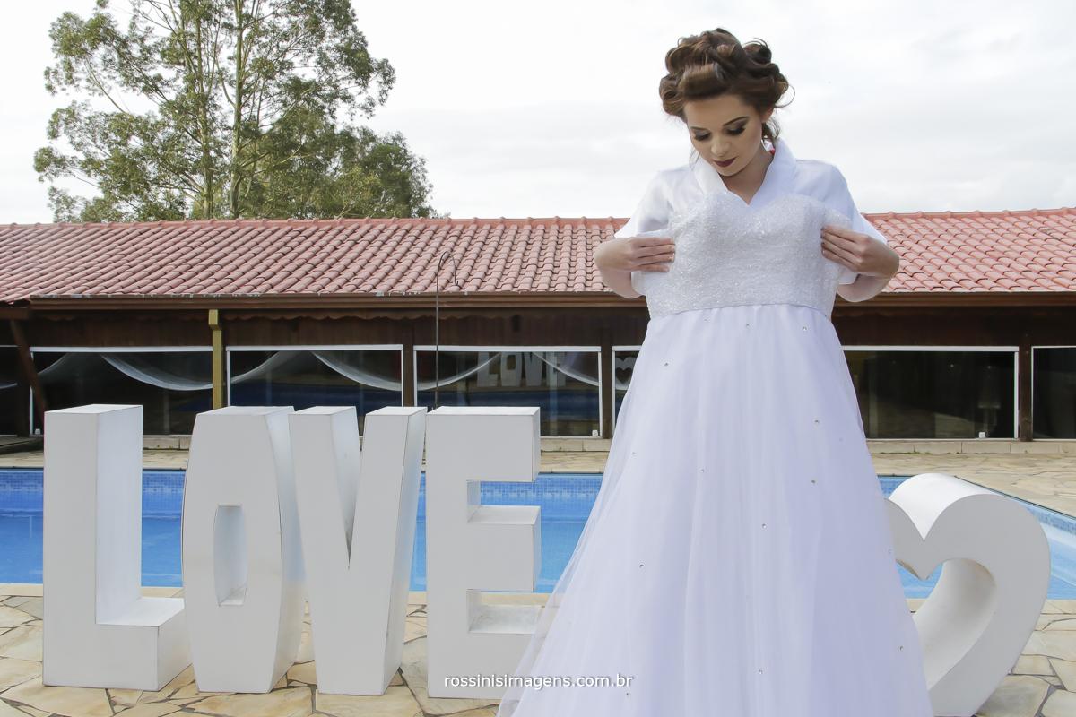 casamento-suzano-tami-e-edival-chacara-encanto-das-aguas-suzano-sp-fotografo-de-casamento-rossinis-imagens-fotografia-e-video-fotografia de casamento suzano- vestido de noiva