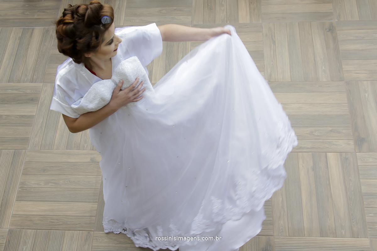 casamento-suzano-tami-e-edival-chacara-encanto-das-aguas-suzano-sp-fotografo-de-casamento-rossinis-imagens-fotografia-e-video-fotografia de casamento suzano- noiva com vestido