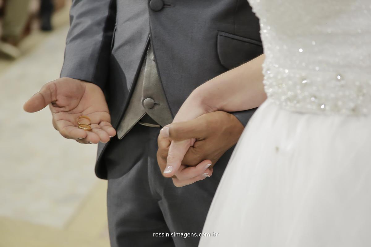 casamento-suzano-tami-e-edival-chacara-encanto-das-aguas-suzano-sp-fotografo-de-casamento-rossinis-imagens-fotografia-e-video-fotografia de casamento suzano - alianças