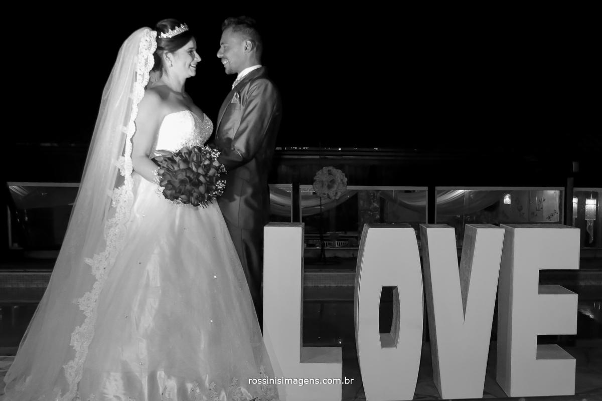 casamento-suzano-tami-e-edival-chacara-encanto-das-aguas-suzano-sp-fotografo-de-casamento-rossinis-imagens-fotografia-e-video-fotografia de casamento suzano - sessão de fotos dos noivos
