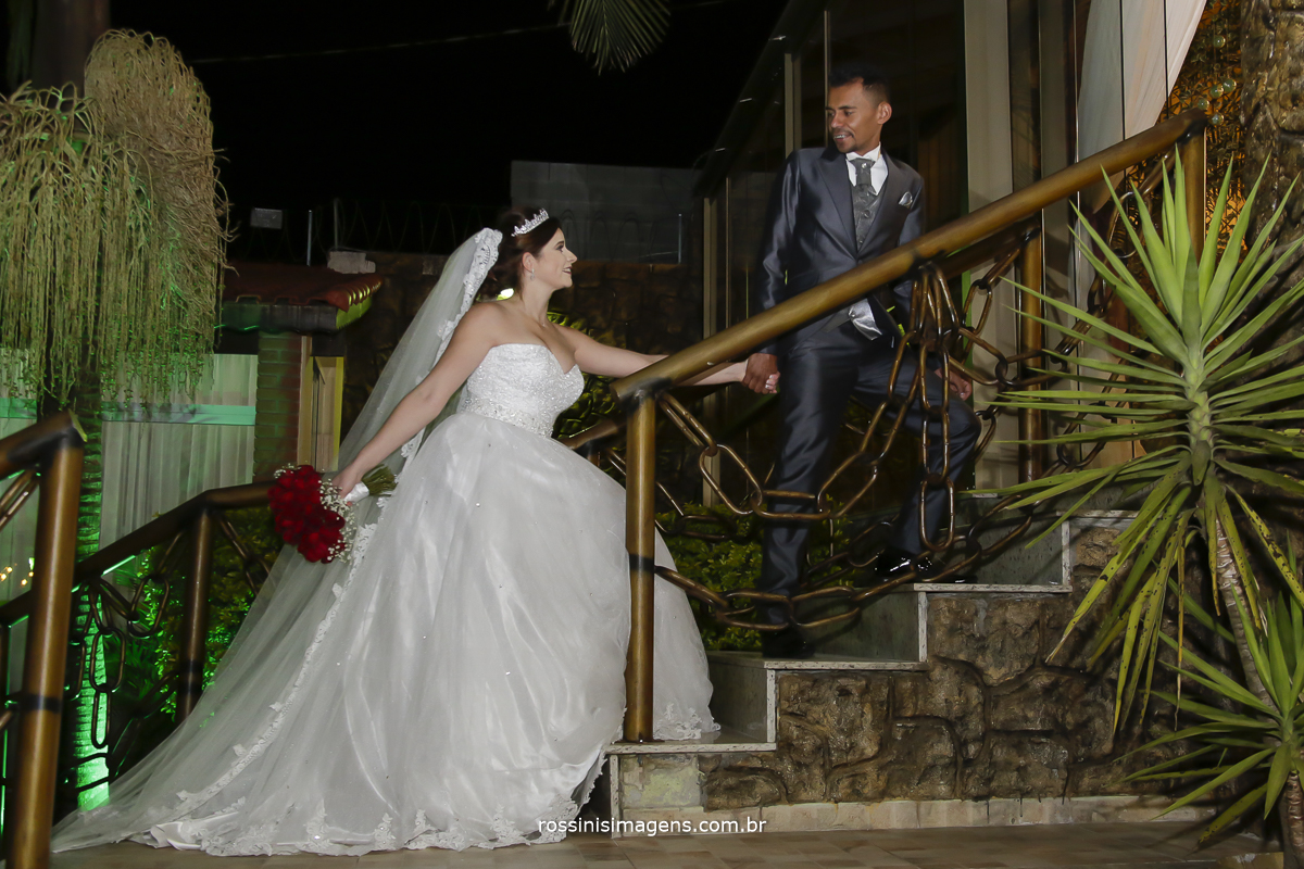 casamento-suzano-tami-e-edival-chacara-encanto-das-aguas-suzano-sp-fotografo-de-casamento-rossinis-imagens-fotografia-e-video-fotografia de casamento suzano - noivos