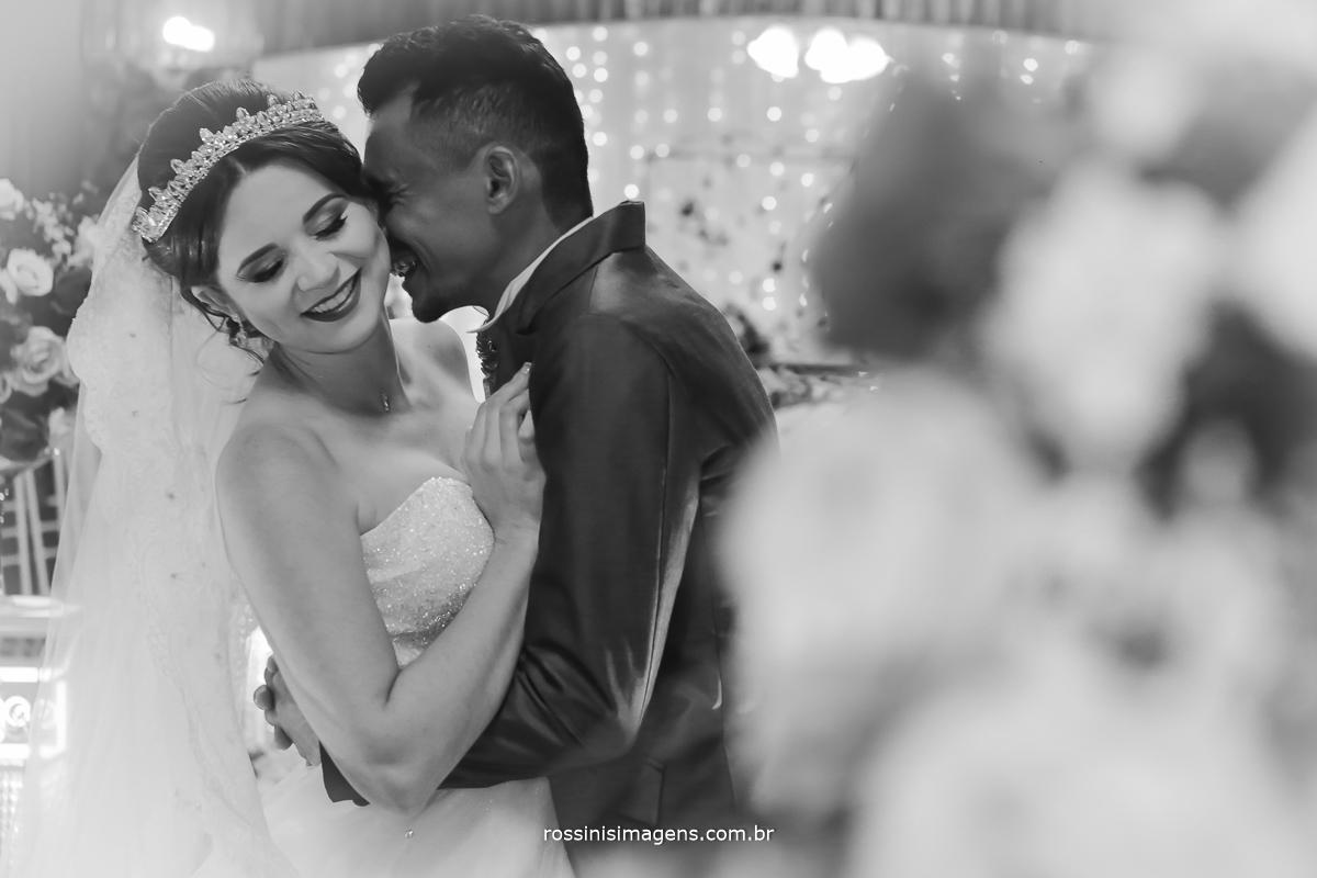 casamento-suzano-tami-e-edival-chacara-encanto-das-aguas-suzano-sp-fotografo-de-casamento-rossinis-imagens-fotografia-e-video-fotografia de casamento suzano - fotos dos noivos - sessão de fotos