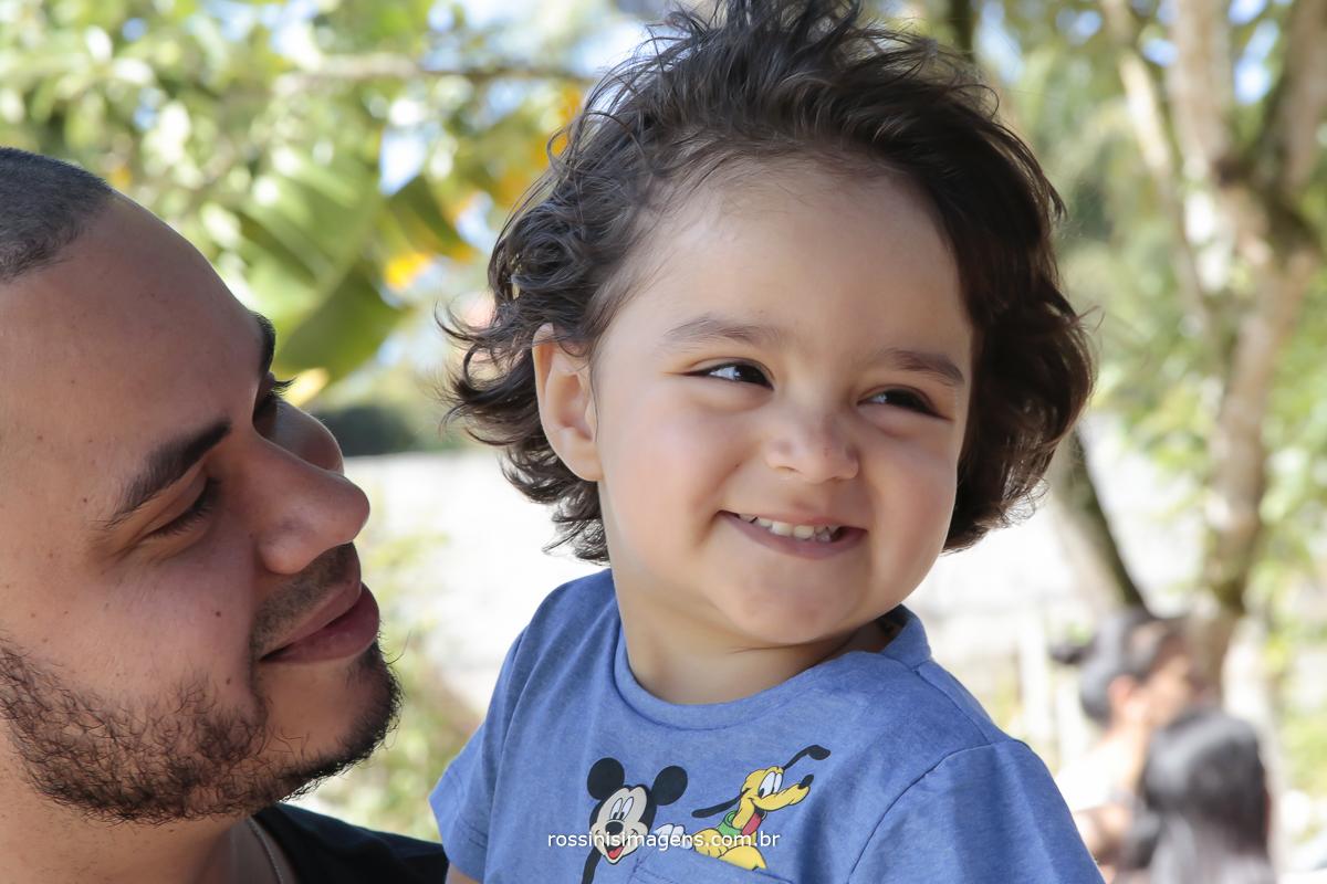 aniversário-sp-de-dia-kevin-2-anos-suzano-sp-fotografo-de-aniversario-rossinis-imagens-tema-da-galinha-pintadinha-familia-montanha-criança