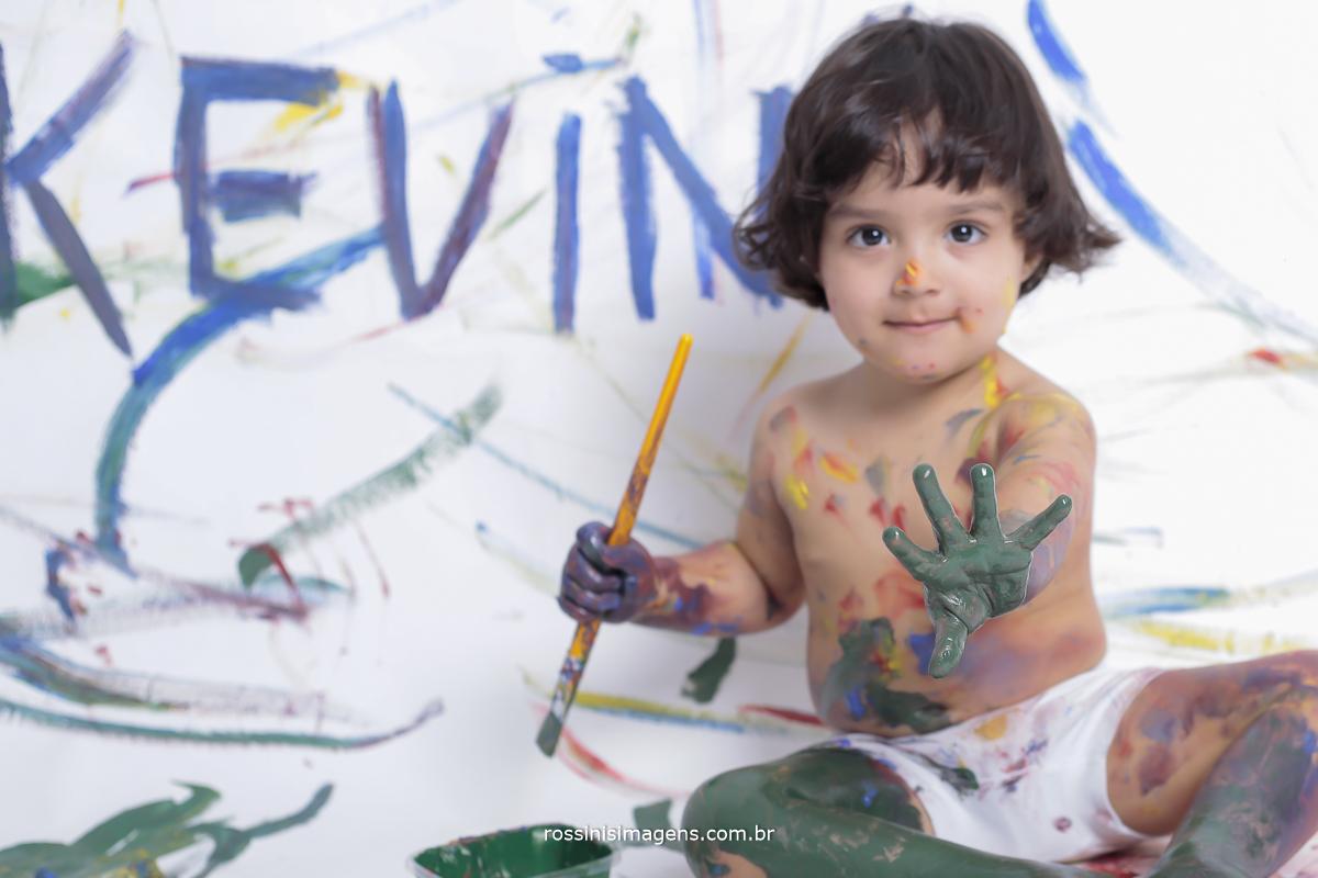 aniversário-sp-de-dia-kevin-2-anos-suzano-sp-fotografo-de-aniversario-rossinis-imagens-tema-da-galinha-pintadinha-familia-montanha-estudio-impressão-de-fotos