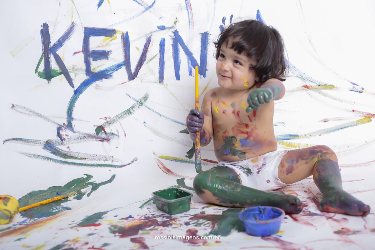 aniversário-sp-de-dia-kevin-2-anos-suzano-sp-fotografo-de-aniversario-rossinis-imagens-tema-da-galinha-pintadinha-familia-montanha-revelação-de-fotos-suzano-