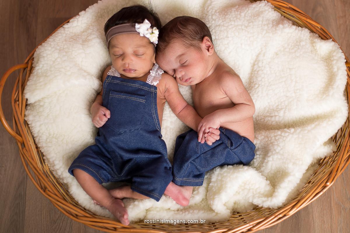 ensaio newborn Suzano, ensaio fotográfico newborn, ensaio newborn gemeos, ensaio Suzano, ensaio Mogi das Cruzes, Zona Leste, Especializado newborn, rossinis imagens