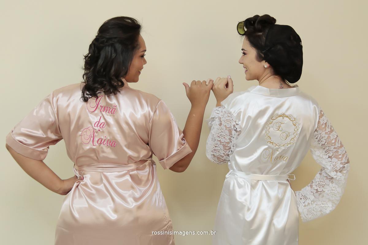 irma da noiva e noiva com robe rose e branco