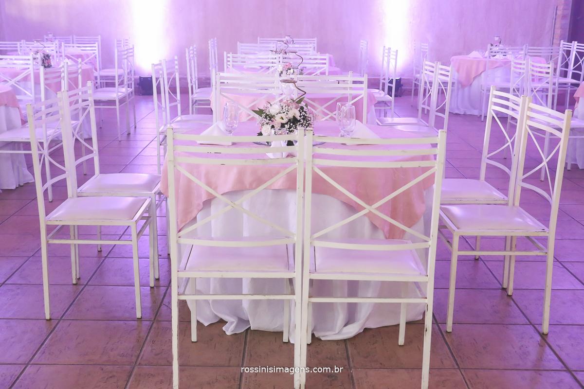 mesa dos convidados no casamento em poá