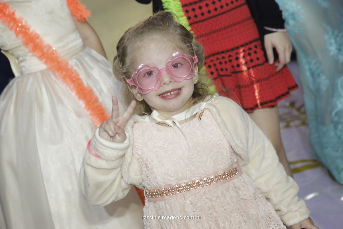 fotografia de convidado na festa de 15 anos da debutante isabella