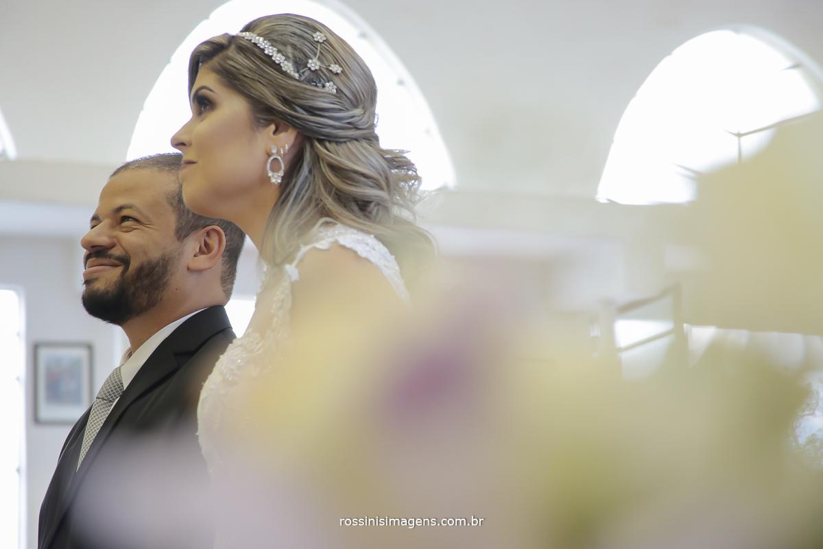fotografia de casamento noivos na cerimônia