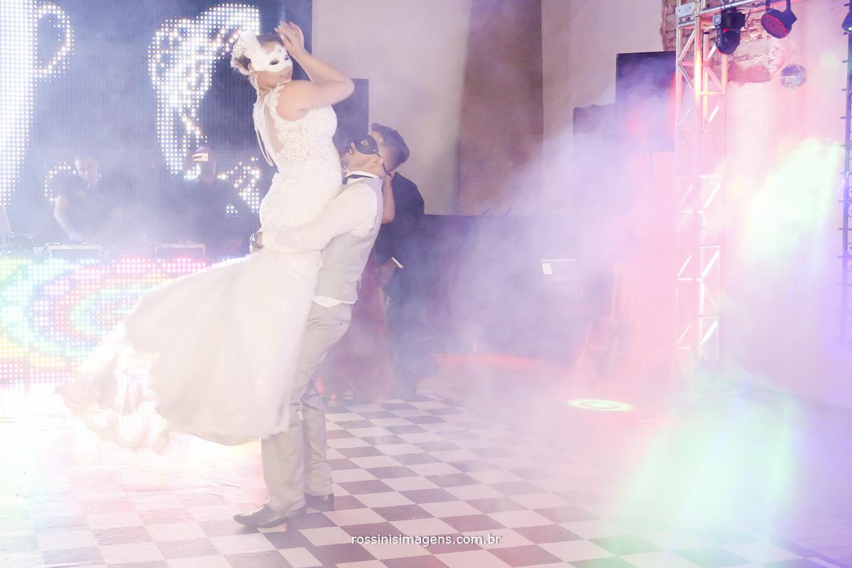 dança dos noivos na pista de danca