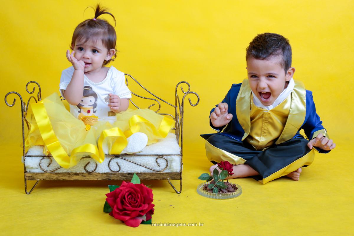 irmão no ensaio fotográfico a bela e fera, Anna Júlia de bela e Gabriel vestido de fera