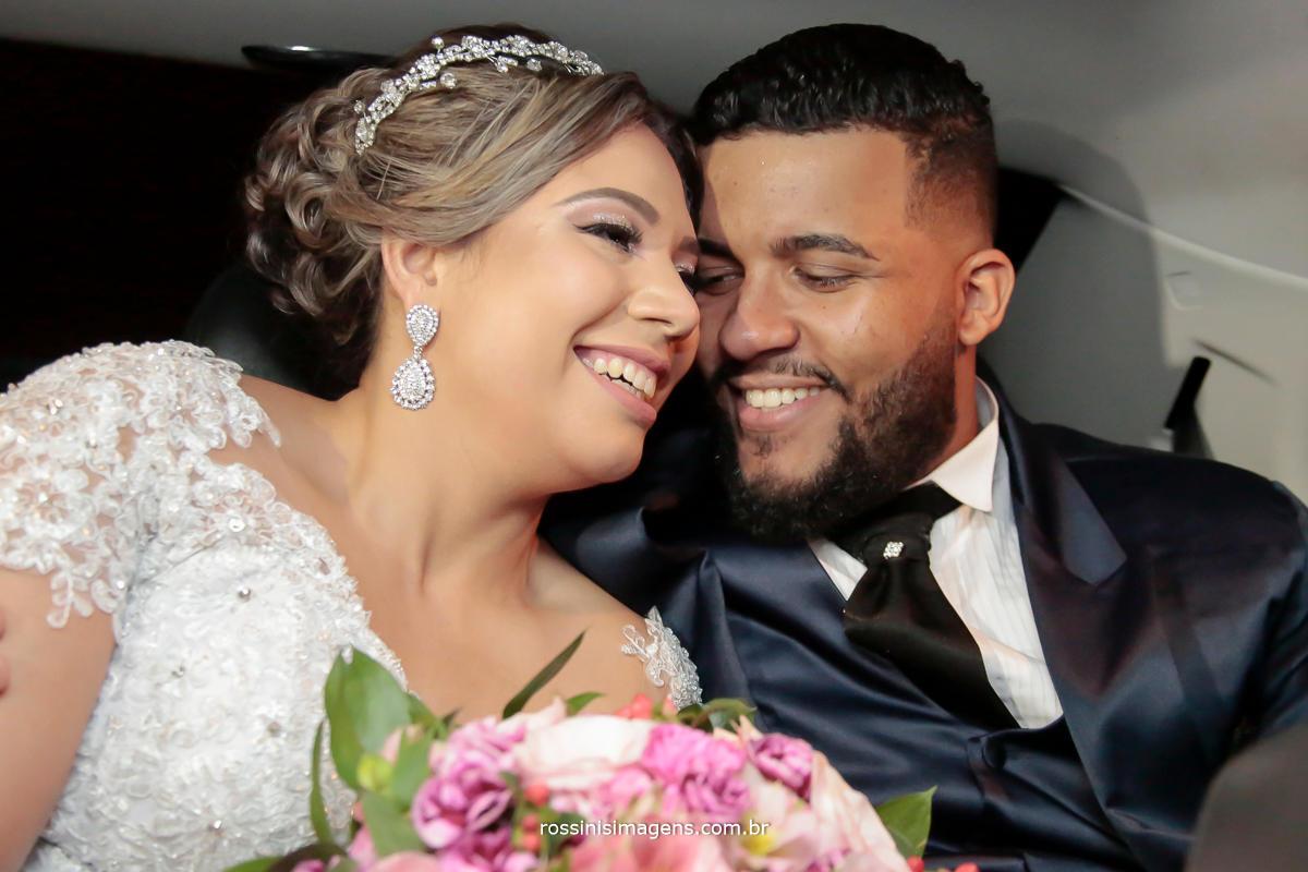 noivos felizes no casamento, foto e vídeo em Suzano