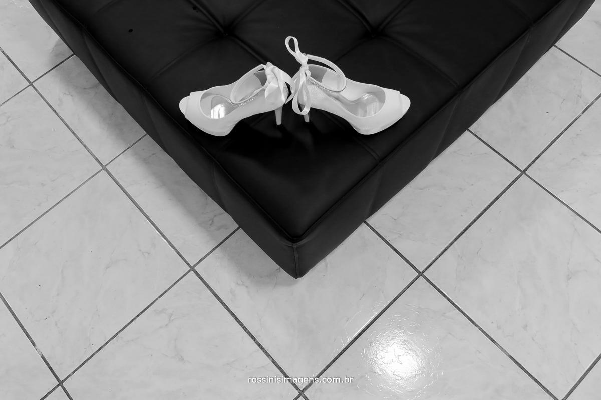 sapato de noiva, sapato branco para noiva, foto de sapato para casamento