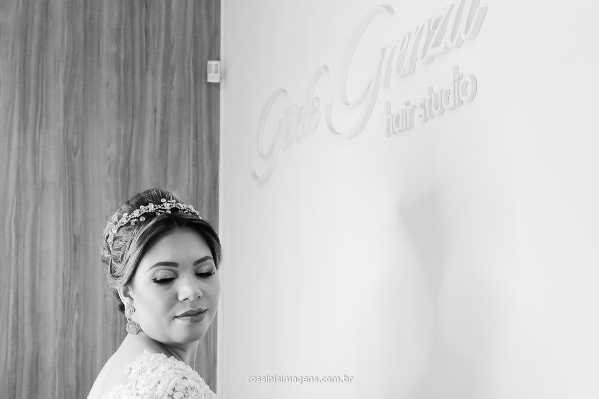 fotografia conceito noiva no making of no salão da Gisele Grenza em Suzano foto de capa do facebook bride, noiva, wedding