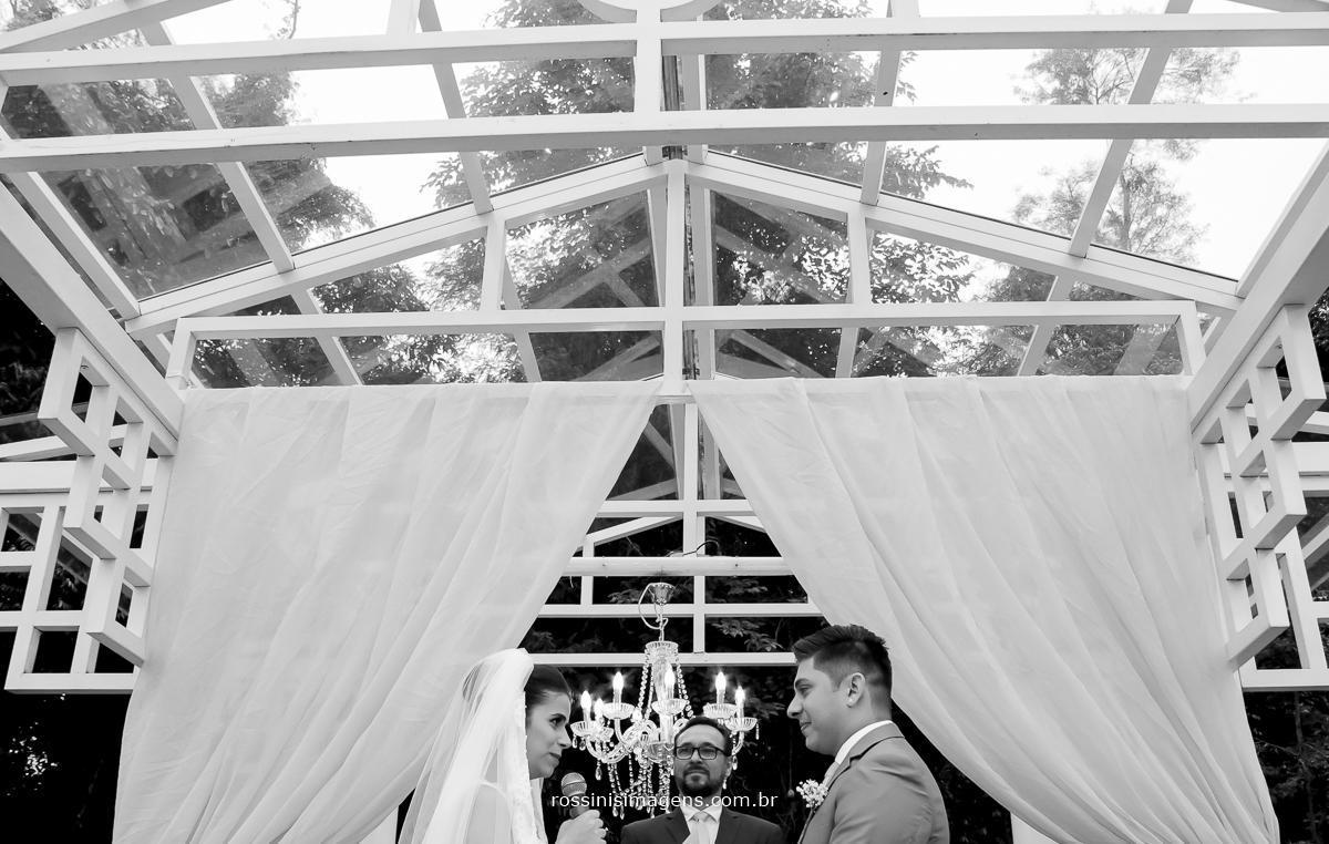 cerimonia de casamento de julianne e will em poá, casamento com os melhores fornecedores