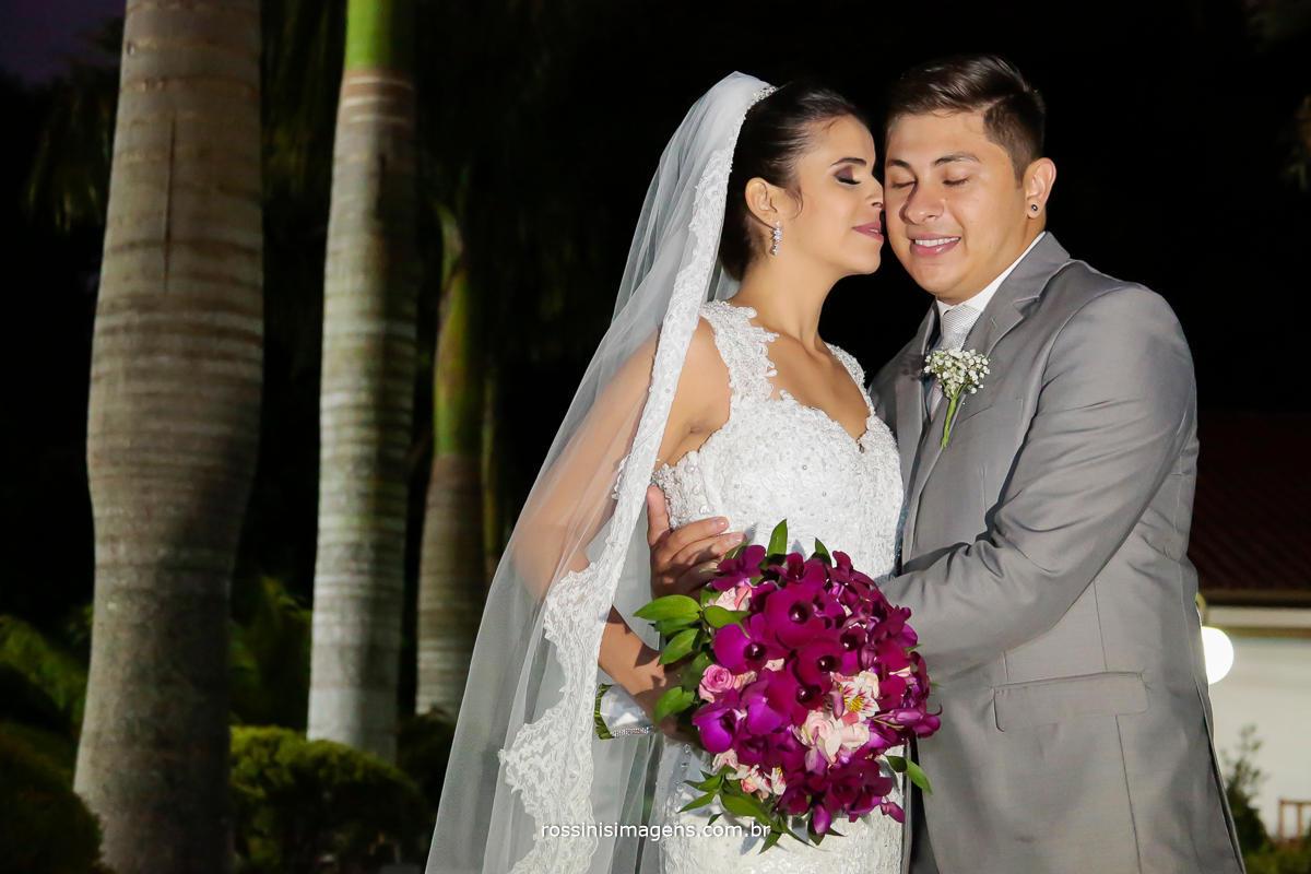fotografia de casamento em poá - sp , casal de noivos juntos