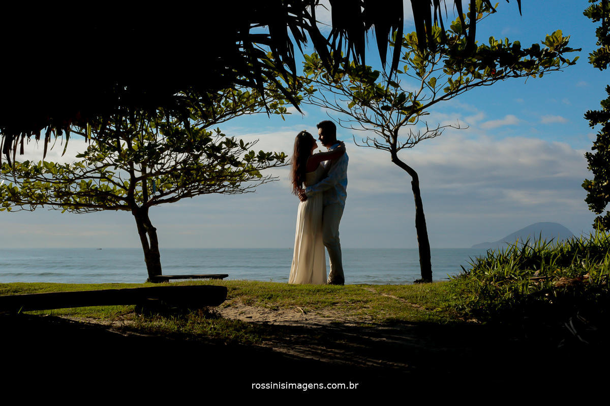 rossinis imagens fotografia e vídeo de casamento ensaio na pria de Natali e Eduardo