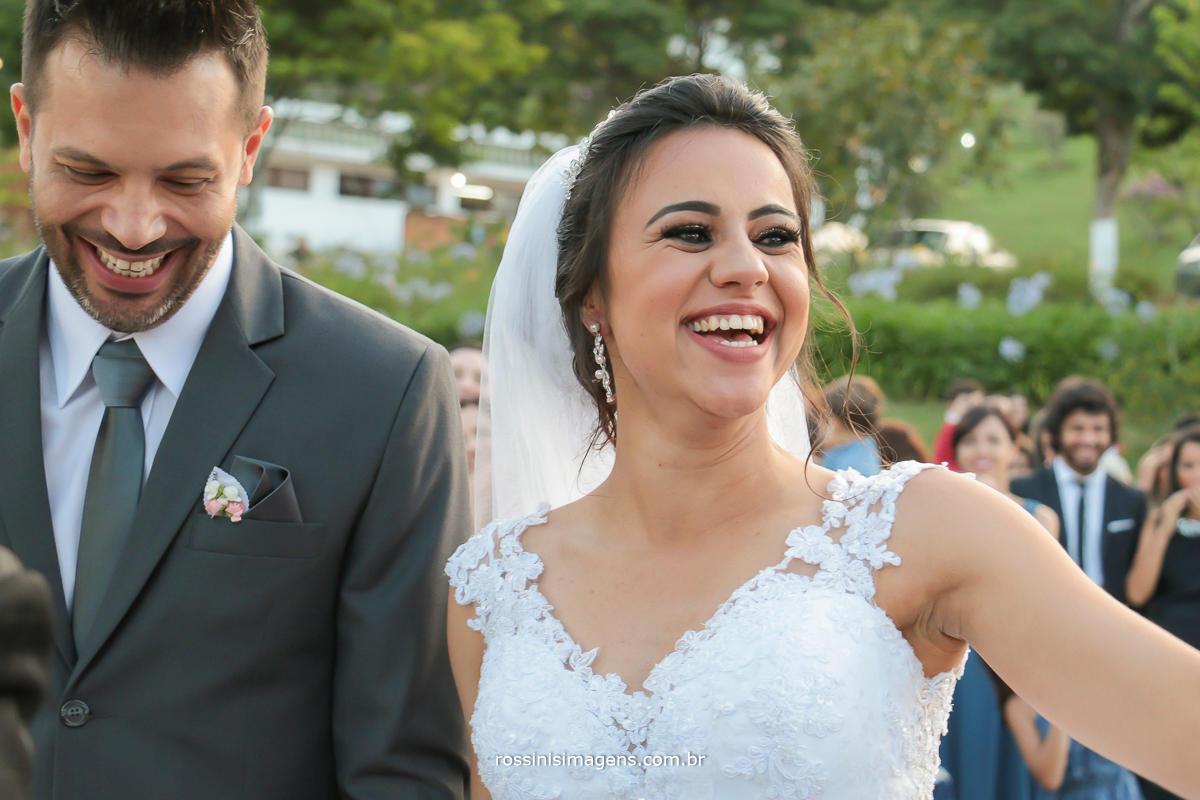 comprimento dos pais e padrinhos no casamento noivos mega felizes, esse amor de uma vida, rossinis imagens fotografia e vídeo de casamento no campo
