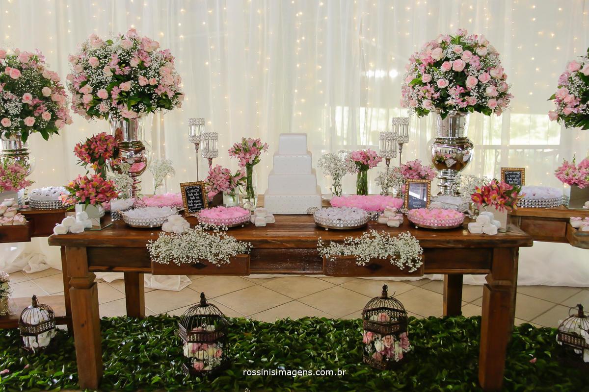 imagem da mesa do bolo, fotografia da mesa do bolo no casamento da natali e eduardo em suizano sp, chacara Gyotoku, Buffet Osaki, Ariana Rangel