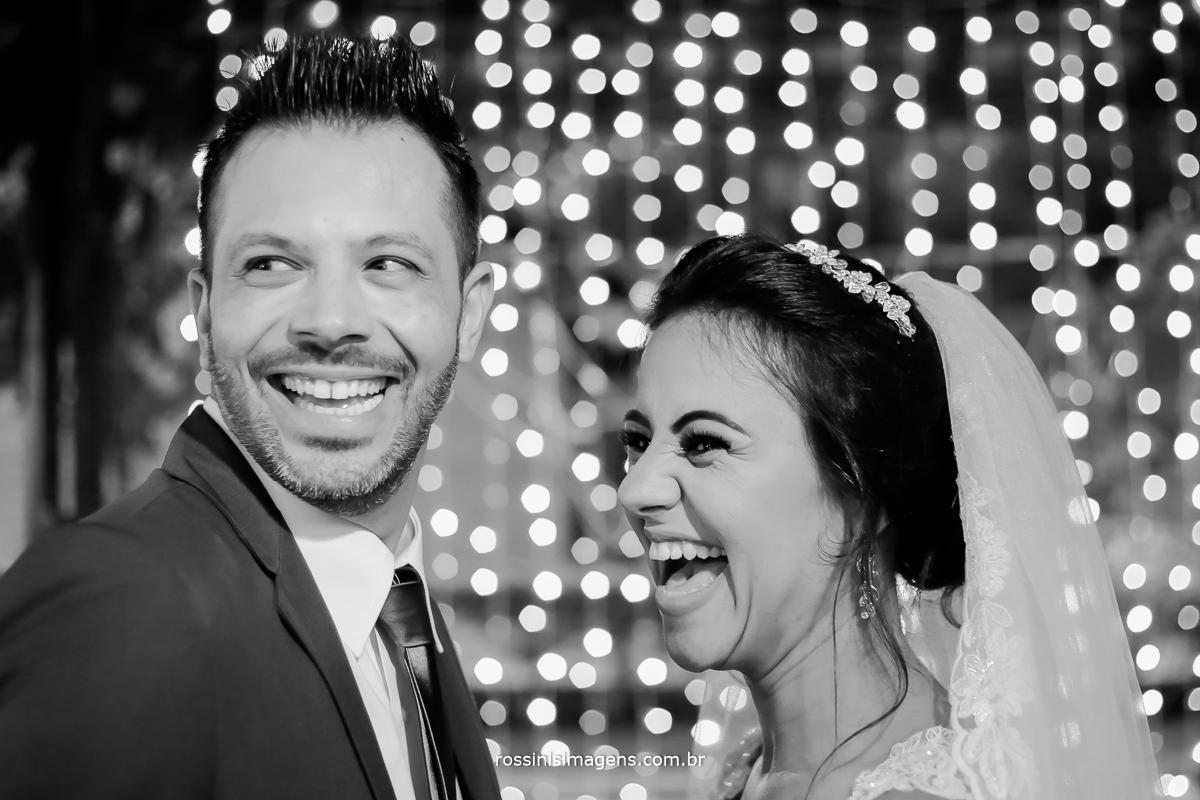 casamento fantástico e contagiante, inspiração de casamento, noivas no campo