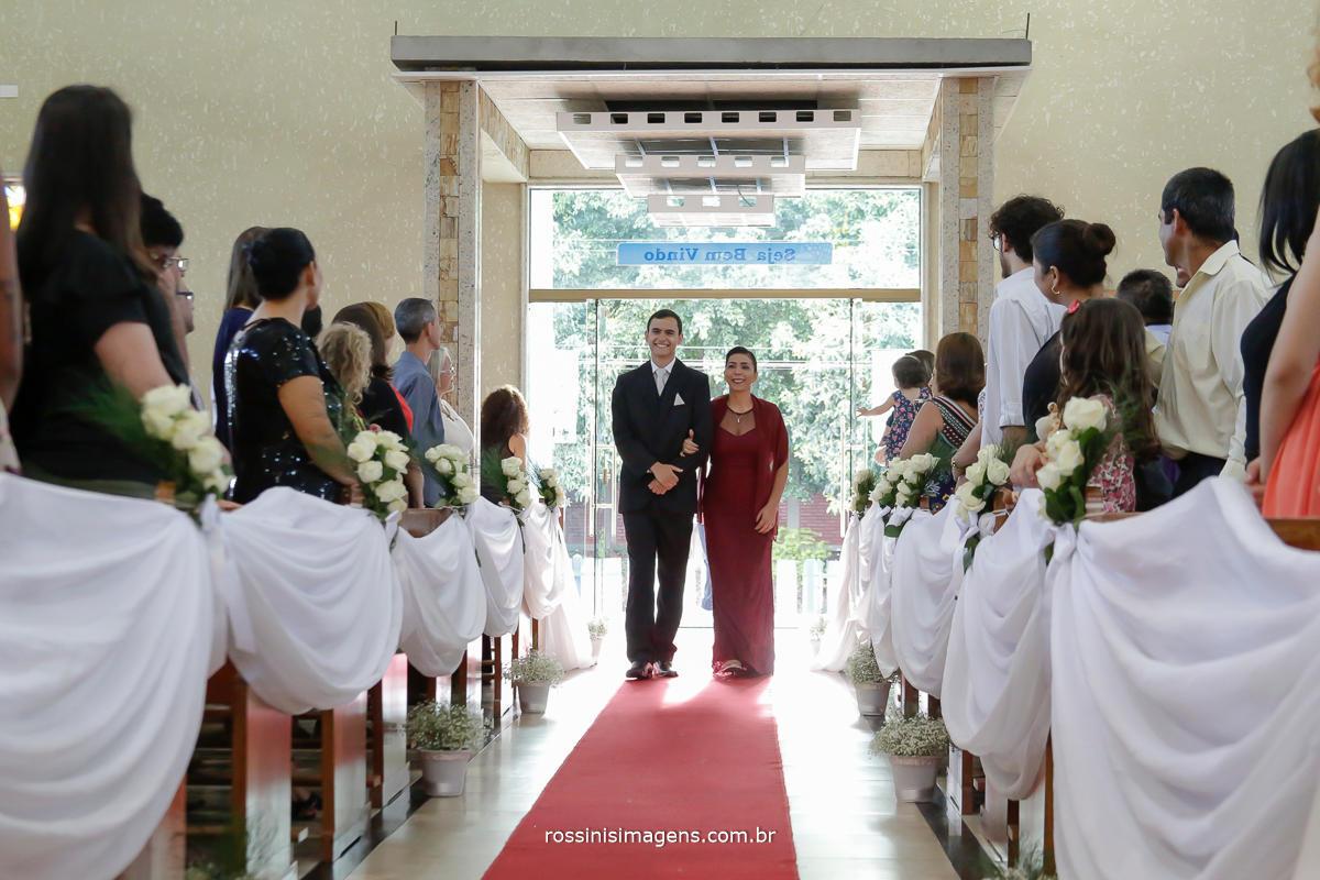 entrada do noivo na paroquia nossa senhora de fatima em mogi das cruzes