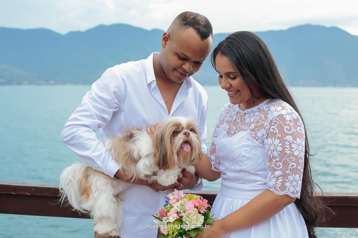 ensaio casal com pet em ilhabela-sp Noemi e Thiago