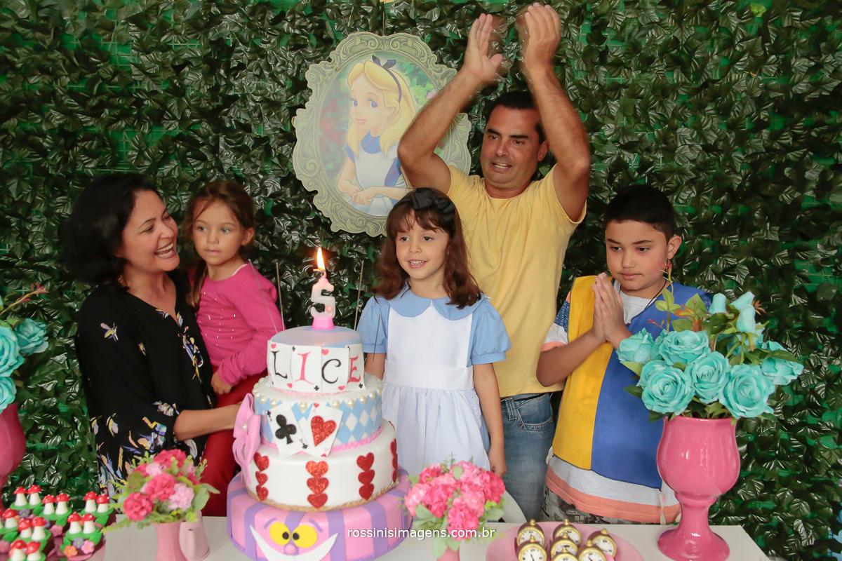 parabéns para a nathalia, festa linda e muito animada com essas crianças, familia linda na festa de aniversario de 5 anos
