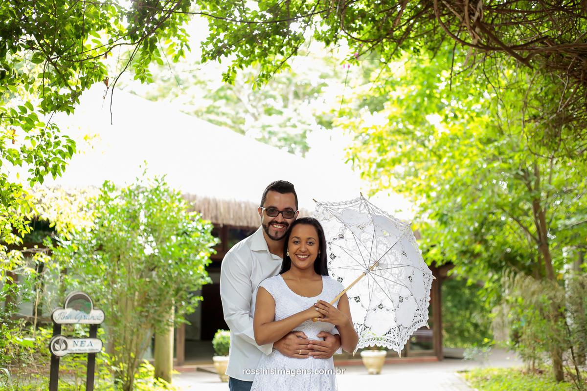 ensaio de casal no parque em Guararema sp
