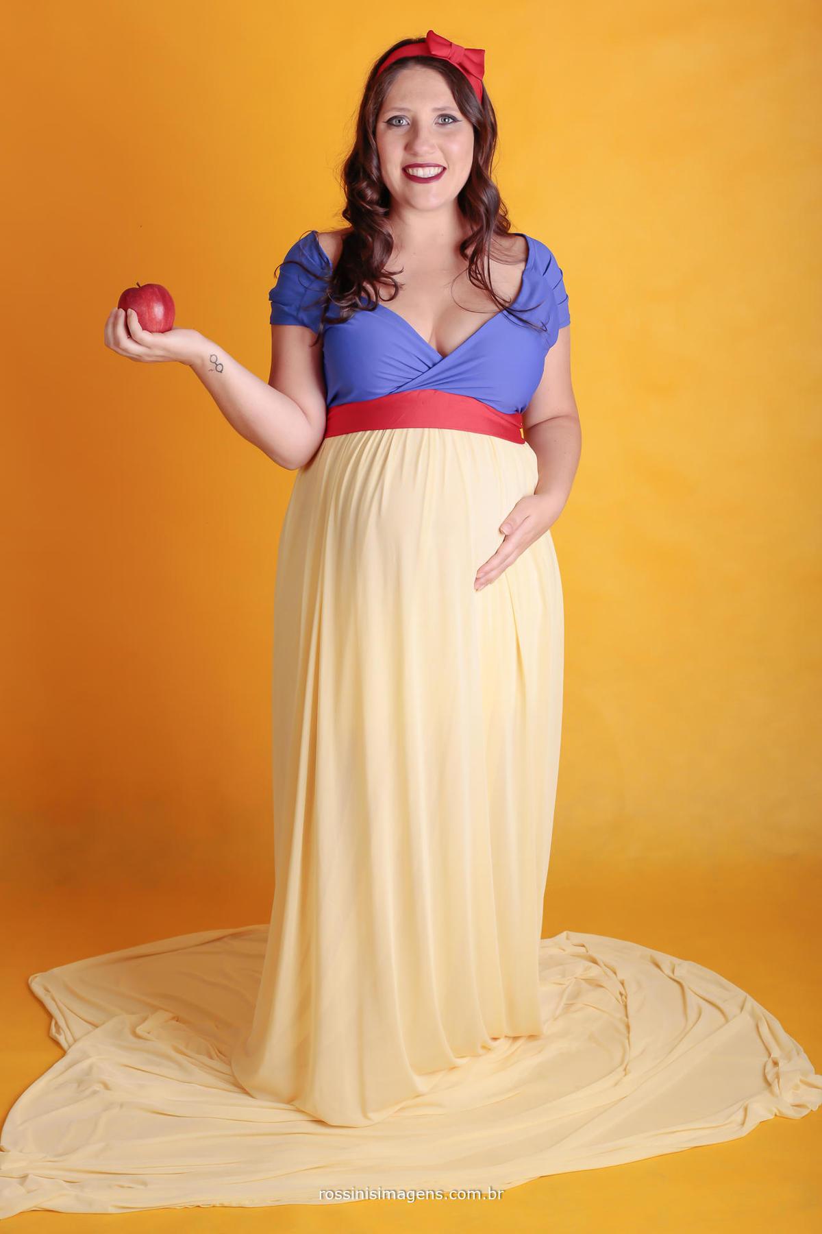 fotografia de gravida em sessão de fotos em estudio especializado em fotografia de gestante