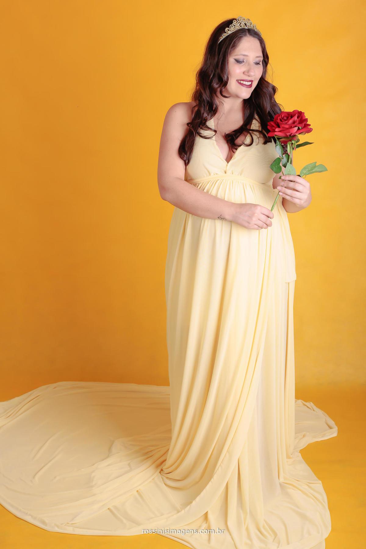 foto de gravida vestida de bela e a fera
