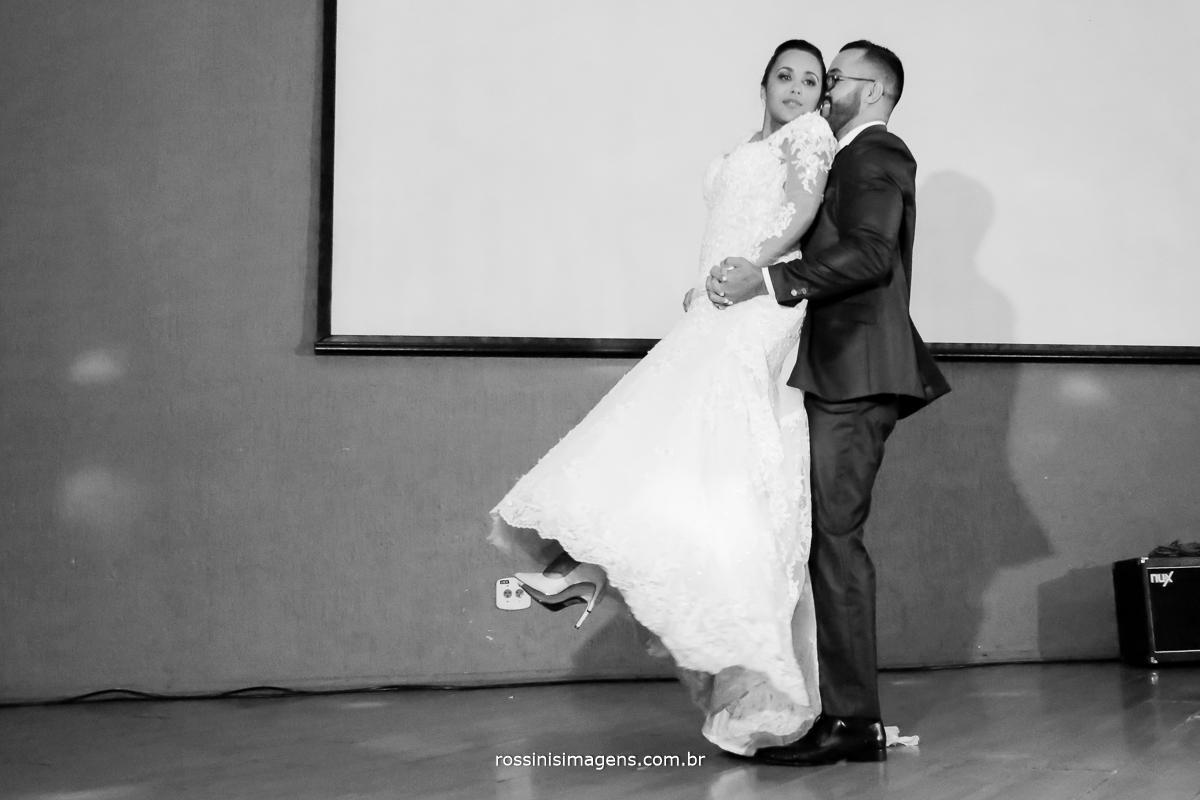 a linda e maravilhosa dança dos noivos, inspiração para dança dos noivos no casamento