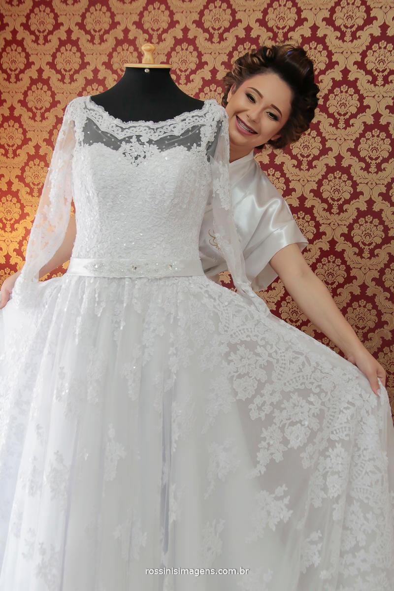 fotografo de casamento, noiva Franciele no dia da noiva na Gisele grenza Hair Studio em Suzano, por rossinis imagens