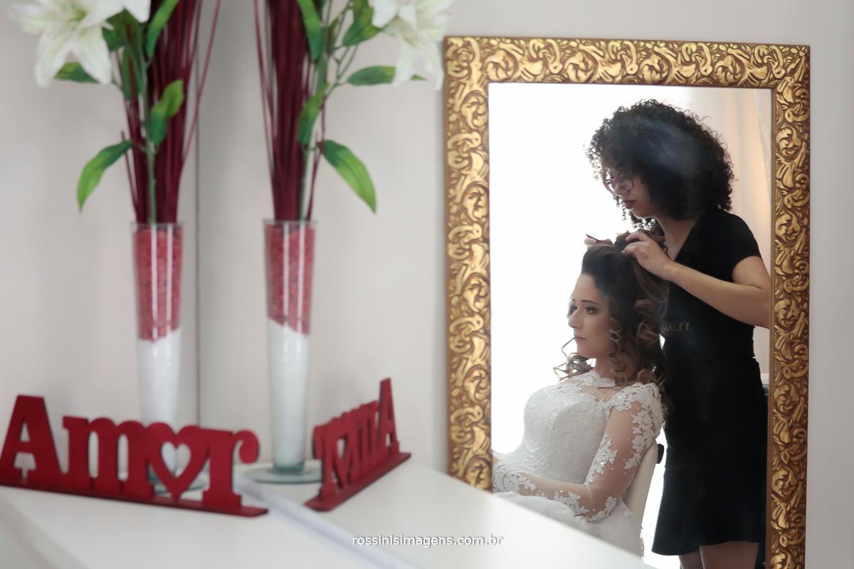 fotografia de casamento noiva arrumando o cabelo, fazendo o penteado, rossinis imagens foto e video